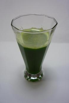 出来上がったグリーンジュース01.JPG